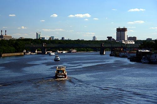 Лето в Москве. Москва-река