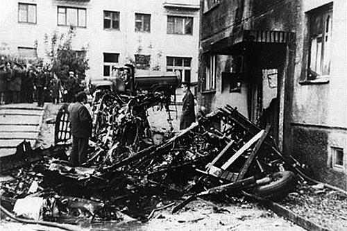 Обломки самолета АН-2 после столкновения