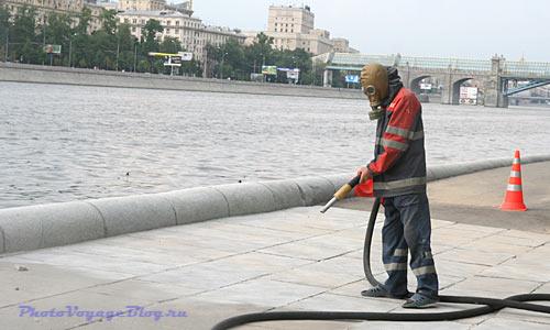 Пескоструйная чистка гранита в Москве