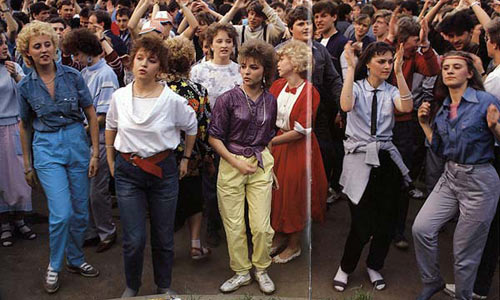 Такие же девчонки, как и в СССР, только ассортимент джинсов широкий