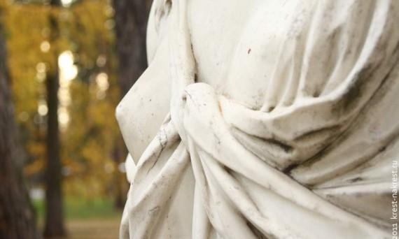 Элемент статуи Венеры (XIX век) в музее-усадьбе Архангельское. 2011 год.