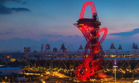 Башня ArcelorMittal Orbit Tower в Олимпийском парке Лондона. 2012 год.