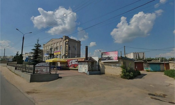 На улице Спивака.